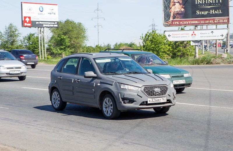 Datsun-mi-Do-hatchback-spied-in-Russia-front
